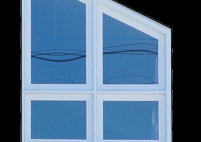 Fenêtre angulaire en PVC